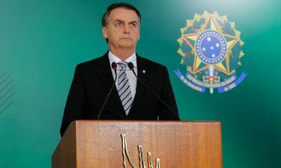 Popularidade baixa: Motorista xinga Bolsonaro enquanto passa de carro pelo presidente