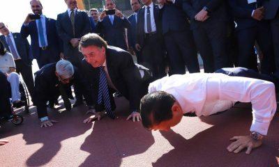 """Bolsonaro chama Doria de """"nanico projeto de ditador"""""""