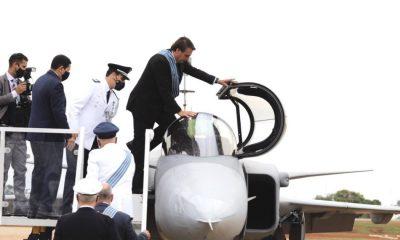 FAB apresenta Gripen, e Bolsonaro fala em transformação operacional da Força