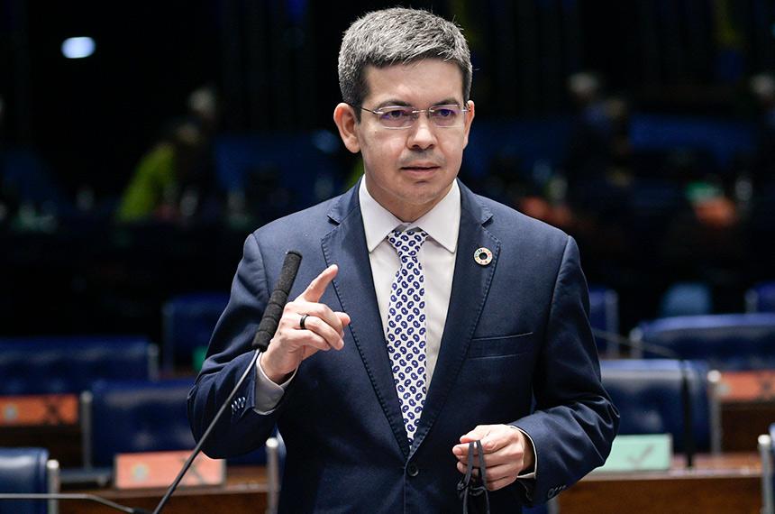 Randolfe e Molon querem saber se GSI obstruiu investigações contra Flávio Bolsonaro