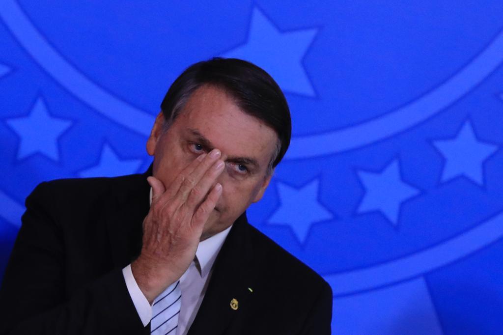 """Para Bolsonaro, pandemia """"está acabando"""" e Doria quer vacina """"na marra"""""""