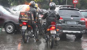 STF afasta restrições impostas por lei municipal ao trabalho de mototáxi