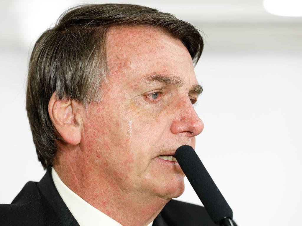 """Bolsonaro minimiza questões raciais e diz que lugar de quem prega discórdia """"é no lixo"""""""