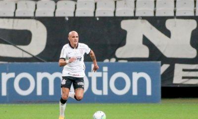 [Tomás Rosolino] O amor de Fábio Santos no Corinthians e o futebol muito além dos números