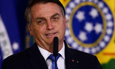 Bolsonaro celebra vagas abertas enquanto IBGE divulga desemprego recorde