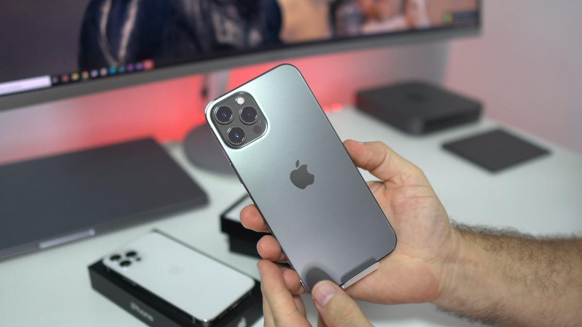 Top 100: buscas de natal no Google Shopping mostram que iPhone 12 é celular mais procurado
