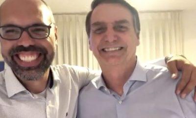 Youtubers bolsonaristas ganham mais de R$ 100 mil por mês com informações privilegiadas do Planalto