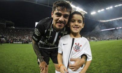 Fagner fala sobre relação do filho com futebol, mas descarta pressão: 'Só quero que seja feliz'