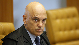 Ministro concede prisão domiciliar a blogueiro investigado por atos antidemocráticos