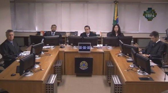 Fachin coloca em votação HCs de Lula contra desembargadores do TRF-4