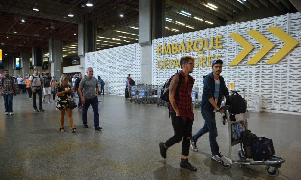 Brazil closes borders to foreigners, maintains cargo -Árabe -Arab News Agency (ANBA)