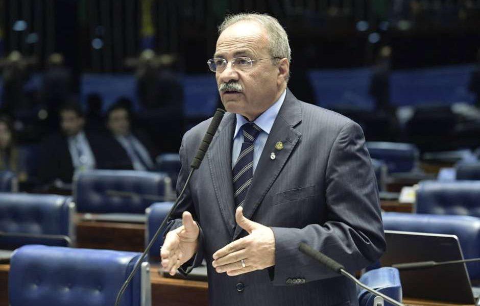 Preso com dinheiro na cueca, senador Chico Rodrigues reassume mandato