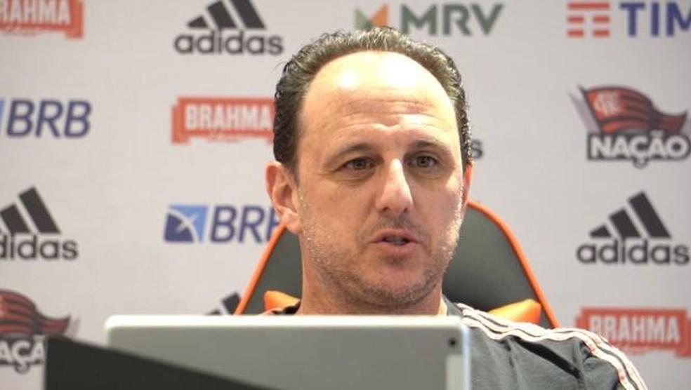 "Ceni evoca DNA rubro-negro ao falar de arrancada pautada na ofensividade: ""Muito mais a cara do Flamengo"""