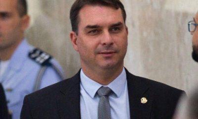 Militares se irritaram ao saber que Flávio Bolsonaro comprou mansão, diz colunista