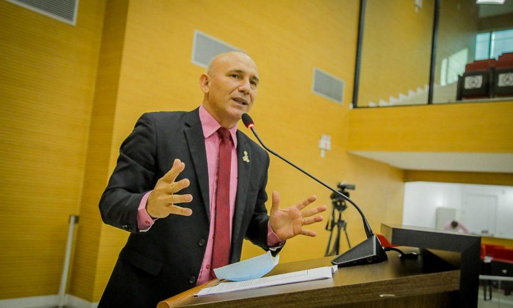 Deputado Ezequiel Neiva indica ao Governo a necessidade de conservação e manutenção periódica no Espaço Alternativo