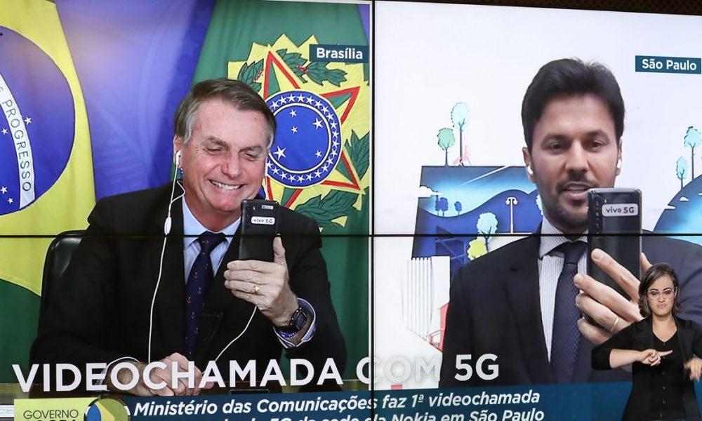 Presidente Jair Bolsonaro faz 1ª videochamada em 5G