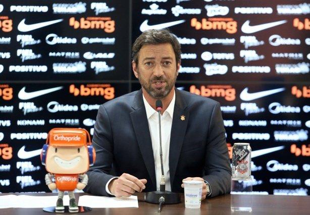 Duilio fala sobre manifestação, mostra insatisfação com o momento do futebol e promete boa gestão