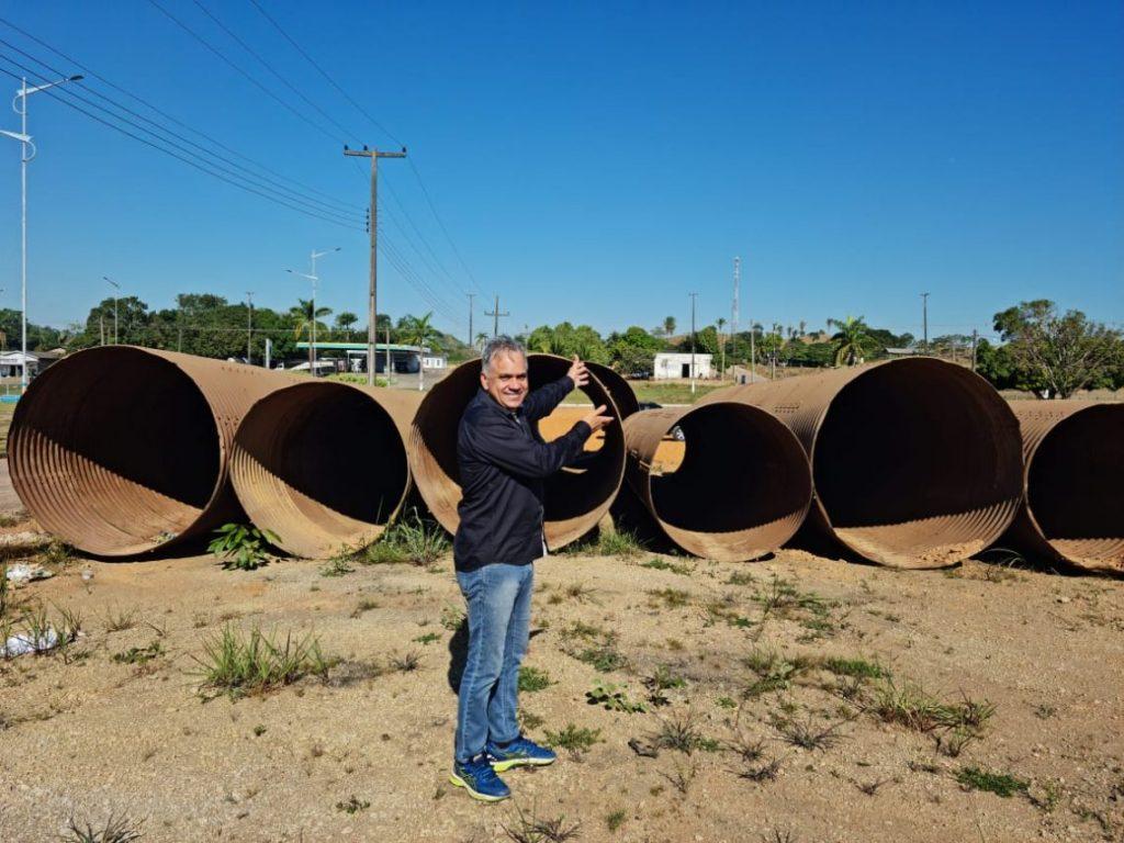 Monte Negro recebe tubos armados adquiridos através de emenda do Deputado Geraldo da Rondônia