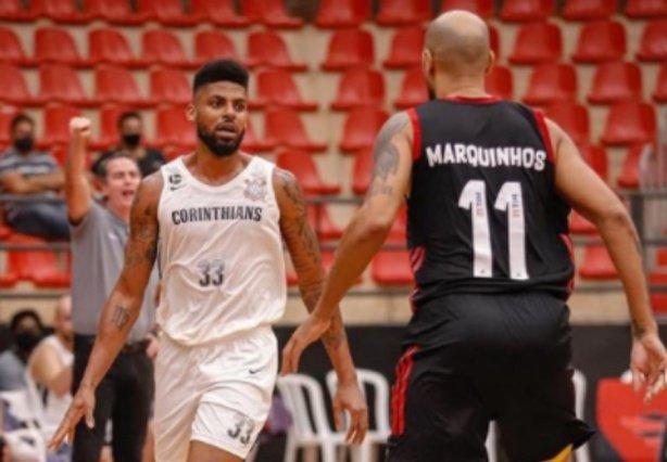 Corinthians renova contratos de Carbonari e Malcolm Miller;  clube chega a quatro permanências