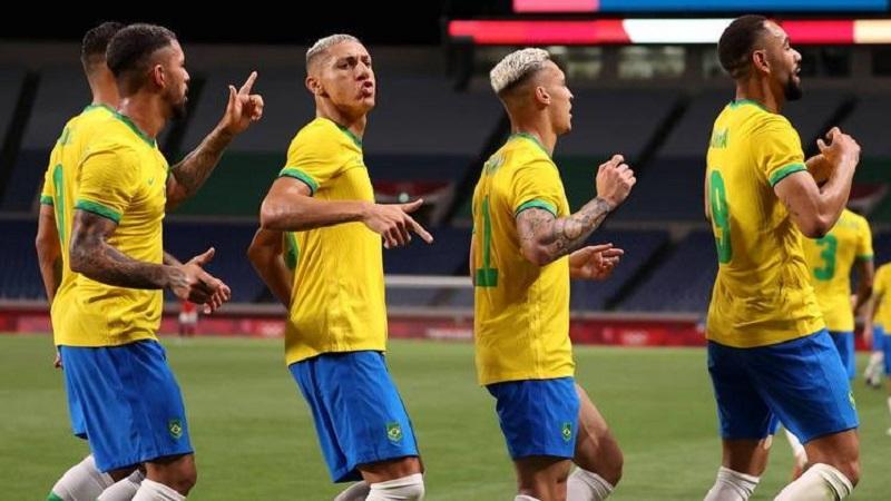 Brasil vence Egito e se garante nas semifinais do futebol masculino