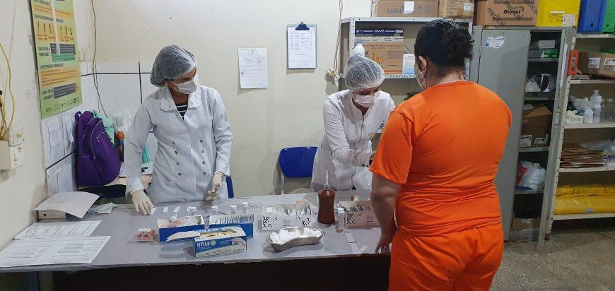 Testes rápidos para identificar doenças virais são realizados no Presídio Feminino de Vilhena