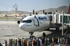 Contagem regressiva para a retirada dos americanos e afegãos de Cabul