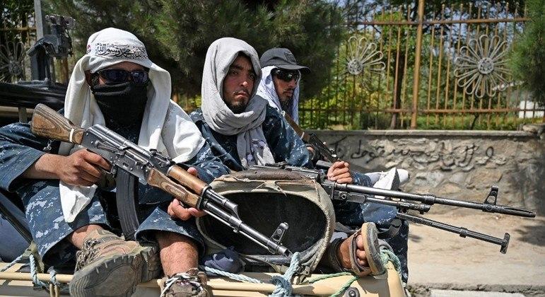 Talibã diz que o Estado Islâmico deve parar atentados após saída dos EUA