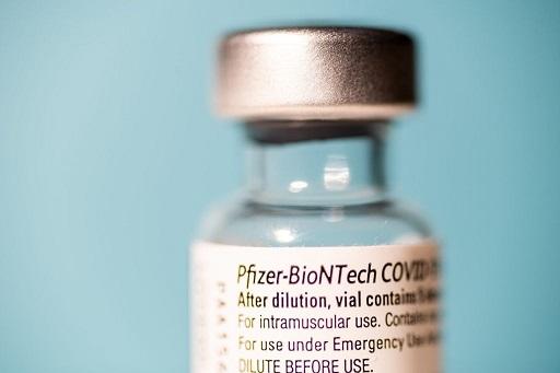 Vacina da Pfizer é segura e protegida entre 5 e 11 anos, aponta fabricante