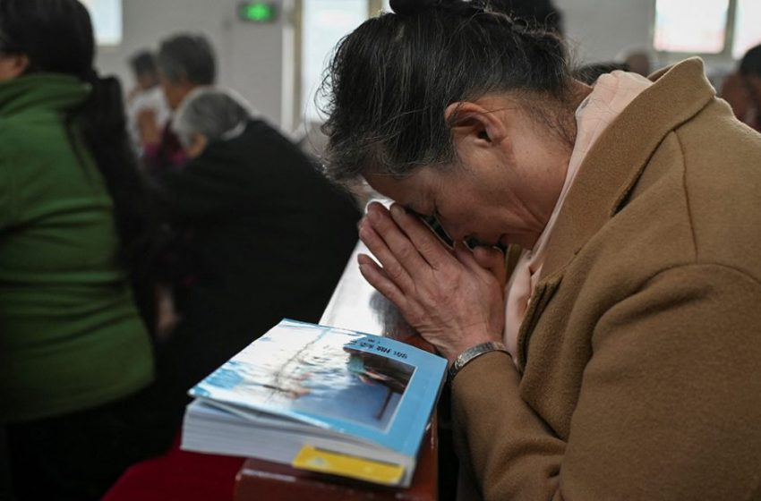 O vigilante da perseguição documenta mais de 100 incidentes de repressão contra cristãos na China em 1 ano