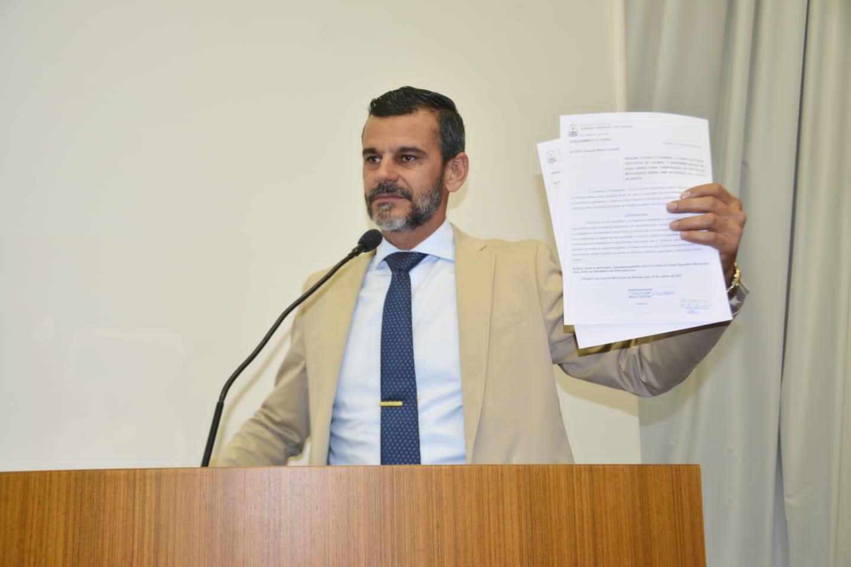 Mauro Lacerda apresenta PL que incentiva à adoção de crianças e adolescentes em Palmas