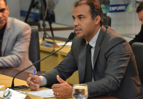 Vereador Filipe Martins propõe melhorias para bairros de Palmas