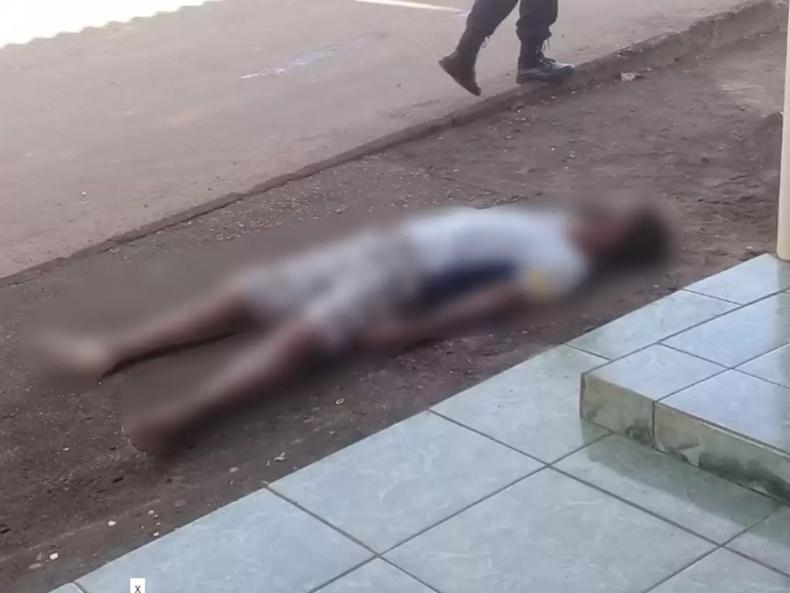 MORTE SÚBITA: Homem é encontrado morto em frente ao posto de combustíveis