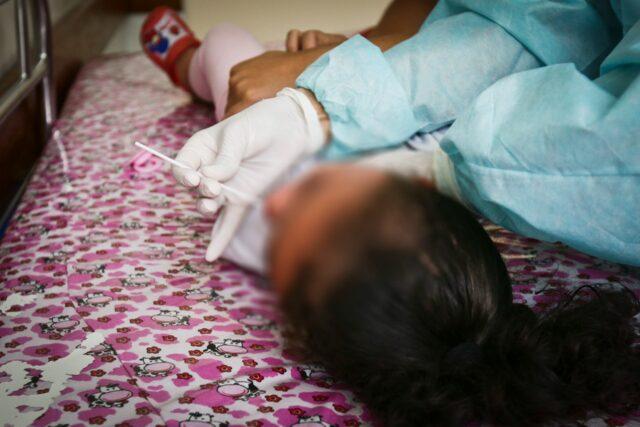 Quinze crianças e adolescentes sofrem síndrome pós-covid