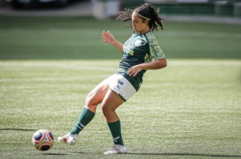 Ana Clara celebra primeira temporada como profissional e projeta título do Brasileirão para coroar o ano