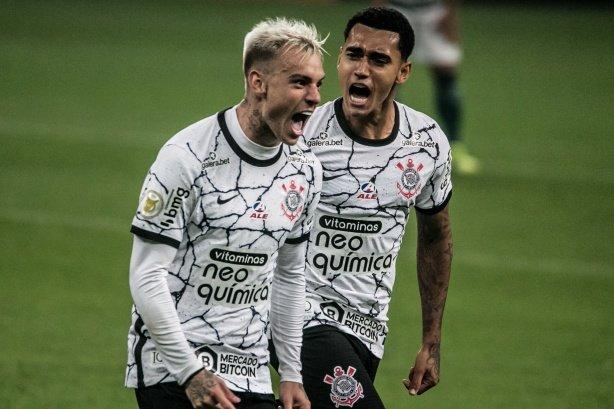 Du Queiroz estreia em Dérbis e comemora resultado do Corinthians: 'Grande vitória!'