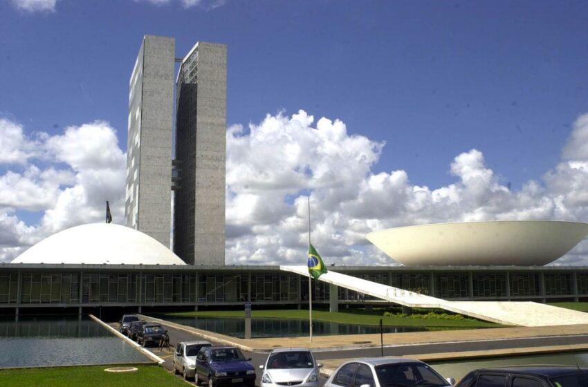 Senadores derrubam vetos de Bolsonaro em lei que estimula o clube-empresa no futebol brasileiro; entenda o que muda
