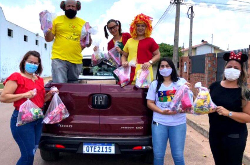 Secretaria Municipal de Assistência Social faz festa e distribui brinquedos para comemorar o dia das crianças
