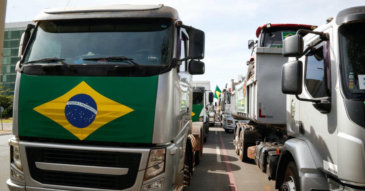 Paralisação: 59% dos caminhoneiros apoiam ação da categoria, diz pesquisa