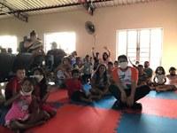Jair Montes participa de festa para crianças no Residencial Cristal da Calama