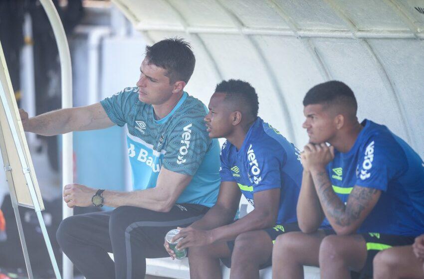 Respaldo a interino e expectativa de mudanças: Grêmio tenta nova cartada para evitar rebaixamento